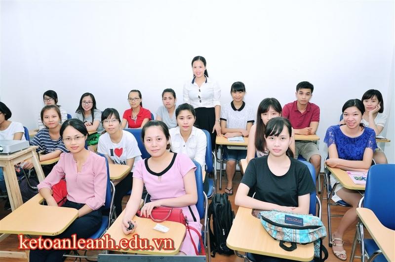 Trung tâm Kế toán Lê Ánh, trao kinh nghiệm, tặng tương lai