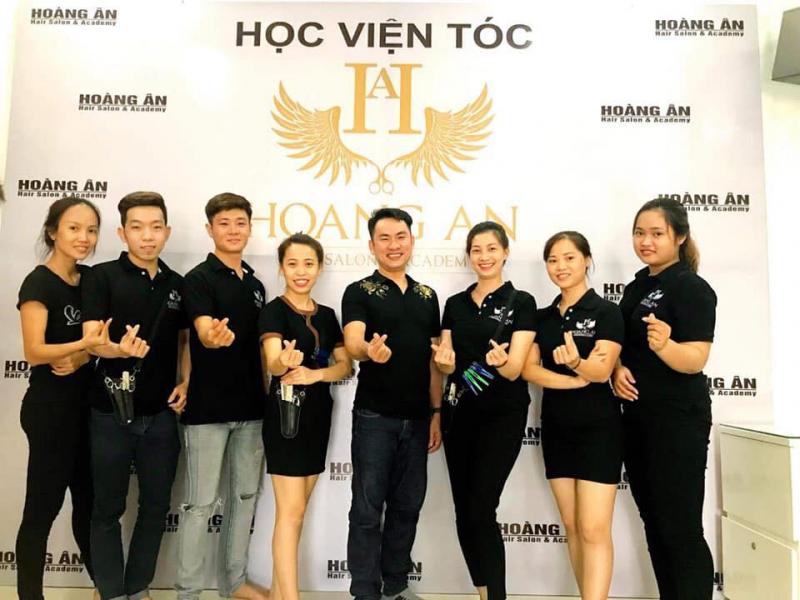 Hoàng Ân Hair Salon Acamedy