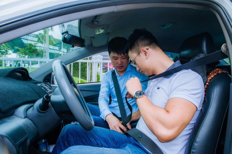 Top 8 trung tâm đào tạo lái xe ô tô uy tín nhất Hà Nội