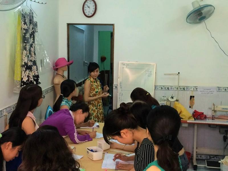 Trung tâm dạy cắt may Phương Liên - Trung tâm dạy cắt  may uy tín nhất TP. HCM