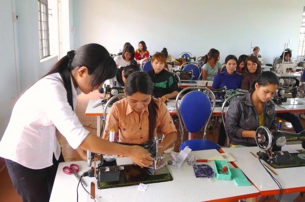 Trung tâm dạy nghề quận Tân Phú