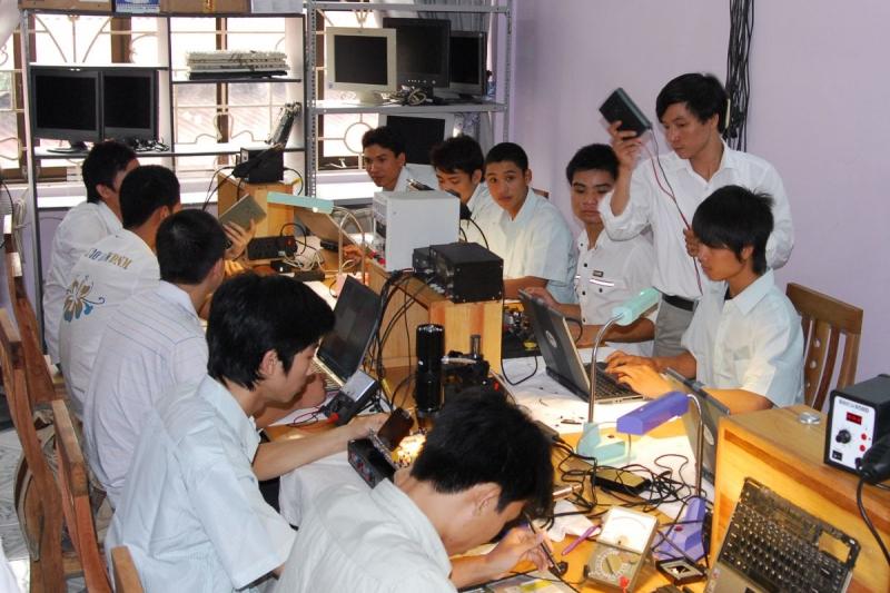Trung tâm dạy nghề sửa chữa điện thoại Mobile 24h