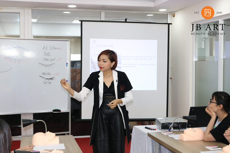 Trung Tâm Dạy Nghề Thẩm Mỹ Nguyễn Hoàng