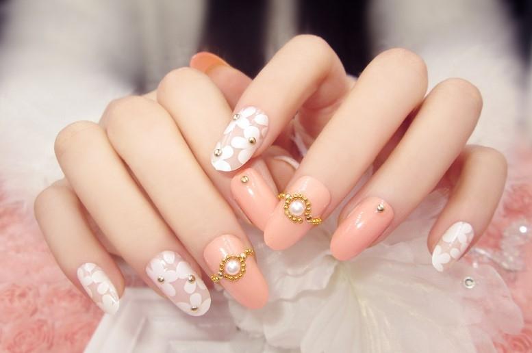 Tại TomiLuc có các khóa đào tạo nail chuyên nghiệp cho bạn lựa chọn