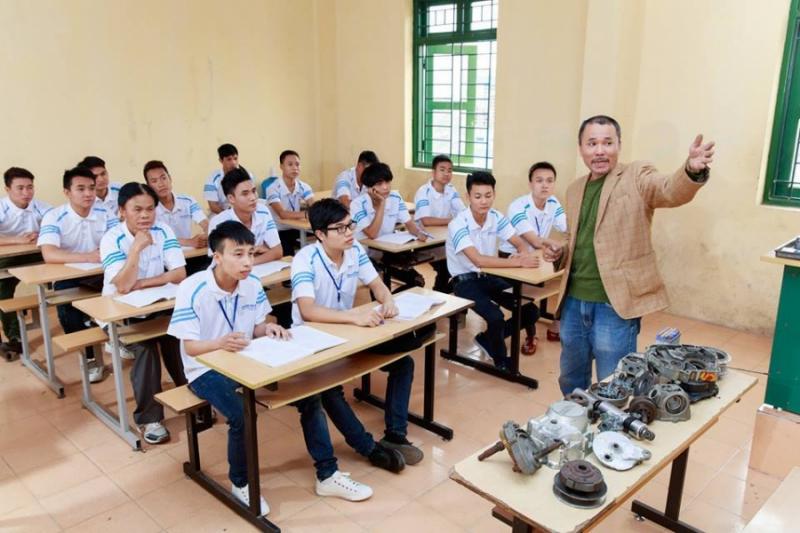 Lớp học lí thuyết tại trung tâm