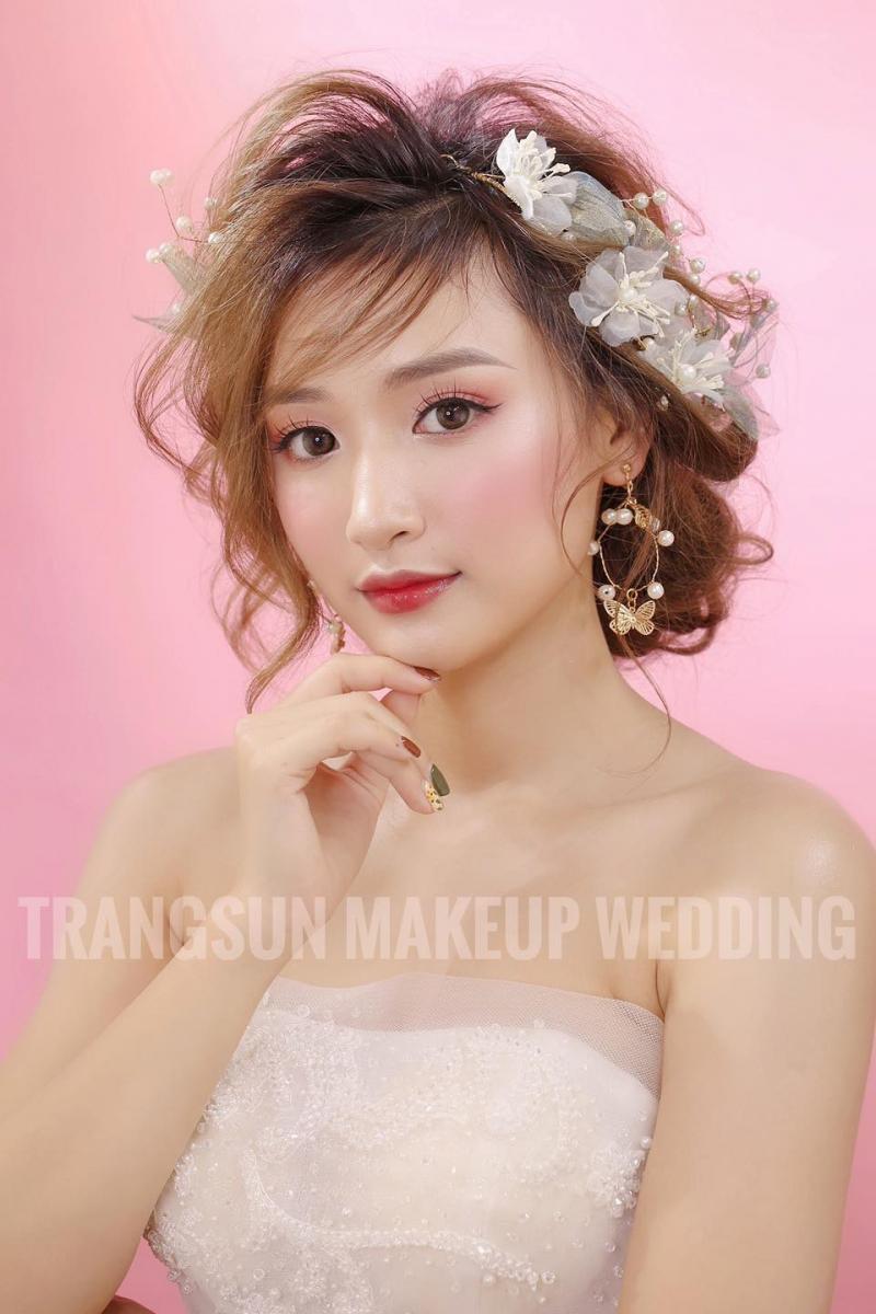 Phong cách trang điểm tự nhiên, mang hơi hướng Hàn Quốc