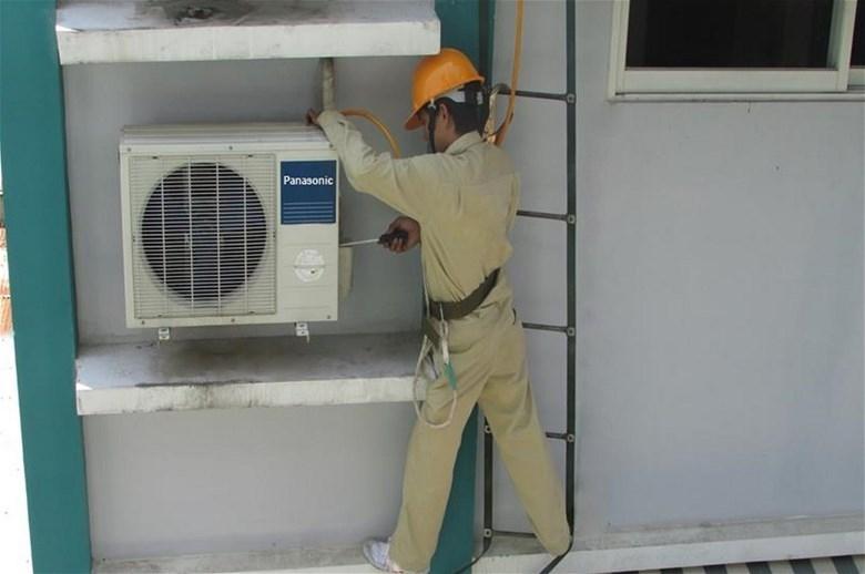 Dịch vụ lắp đặt và sửa điều hòa của Trung tâm điện lạnh Miền Bắc 24h