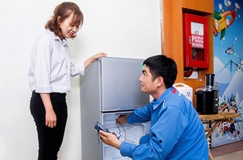 Lựa chọn dịch vụ sửa chữa tủ lạnh tại nhà cùng TRUNG TÂM SỬA CHỮA ĐIỆN TỬ NGUYỄN KIM, khách hàng sẽ được tư vấn tận tâm về nguyên nhân bệnh lý của thiết bị, cho tới việc đưa ra các giải pháp khắc phục.