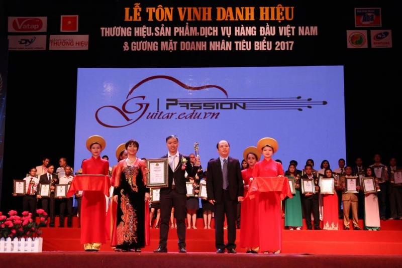 Trung tâm Guitar passion được vinh danh trong TOP 50 THƯƠNG HIỆU VÀ SẢN PHẨM DỊCH VỤ HÀNG ĐẦU VIỆT NAM năm 2017