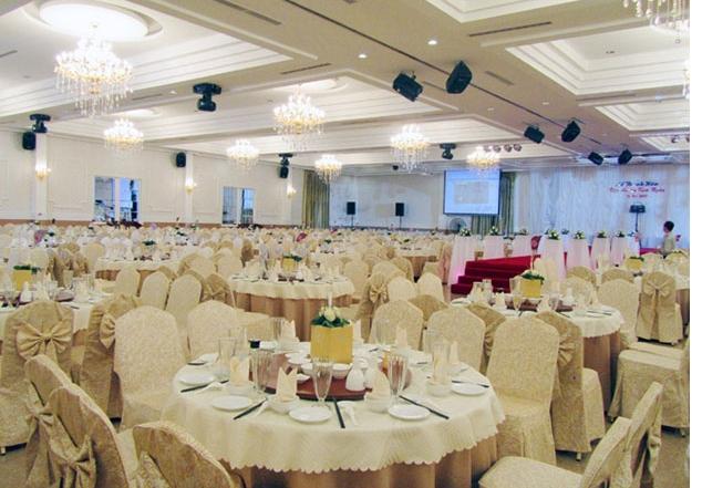 Trung tâm hội nghị tiệc cưới Golden Lotus