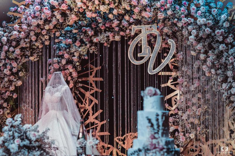 White Palace luôn là địa điểm lý tưởng cho những tiệc cưới, hội nghị, yến tiệc sang trọng