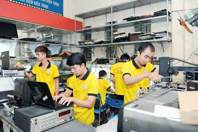 Đội ngũ nhân viên trẻ, năng động, có tay nghề cao