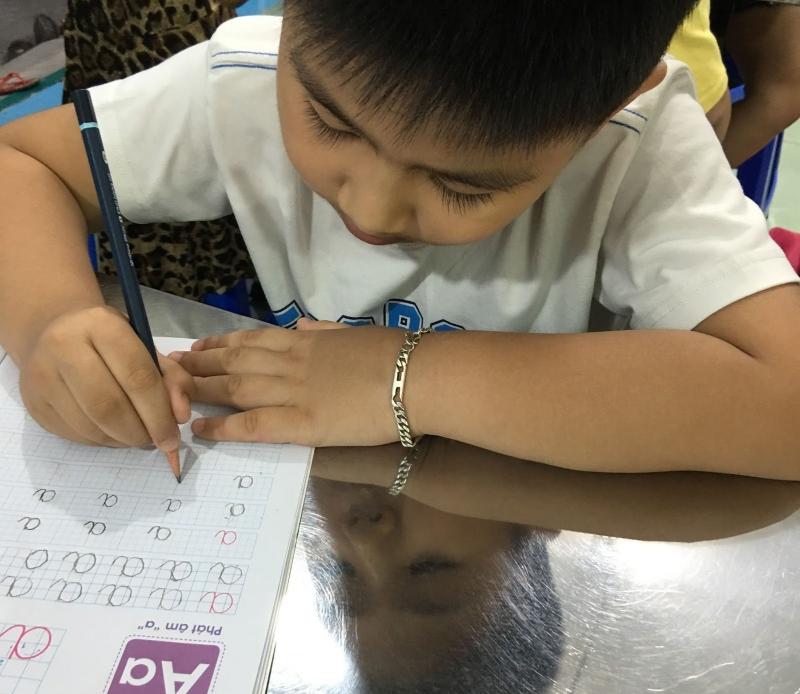 Trung tâm luôn mở những lớp kỹ năng để đào tạo phương pháp luyện chữ tốt hơn cho giáo viên, để đưa vào áp dụng giảng dạy cho các em học sinh