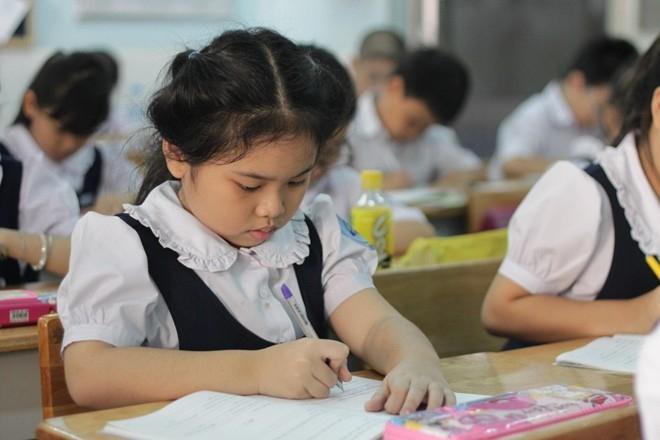 Ngoài những lớp luyện viết chữ đẹp tại trung tâm, còn có nhiều khoá học dạy riêng tại nhà