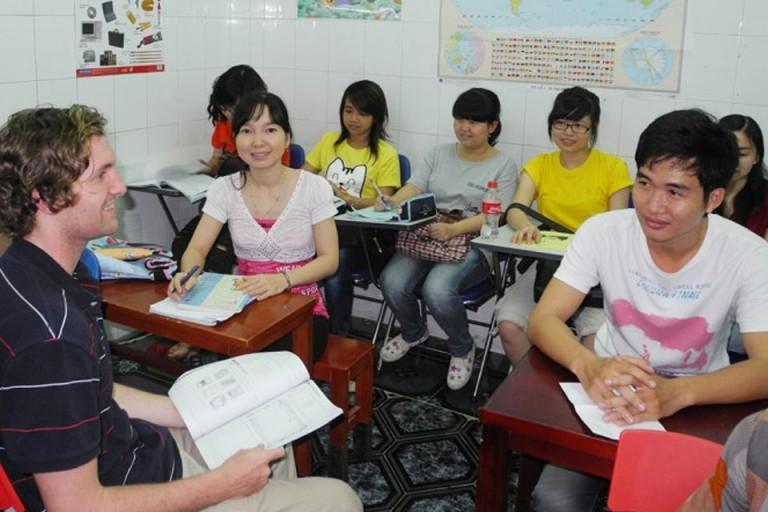 Lớp học tại Trung tâm Ngoại ngữ Alphabet