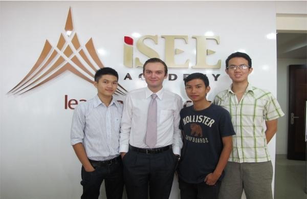 Trung Tâm Ngoại Ngữ & Kỹ Năng iSEE Academy