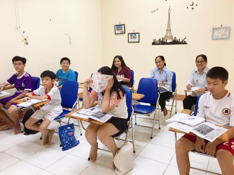 Lớp học tại trung tâm