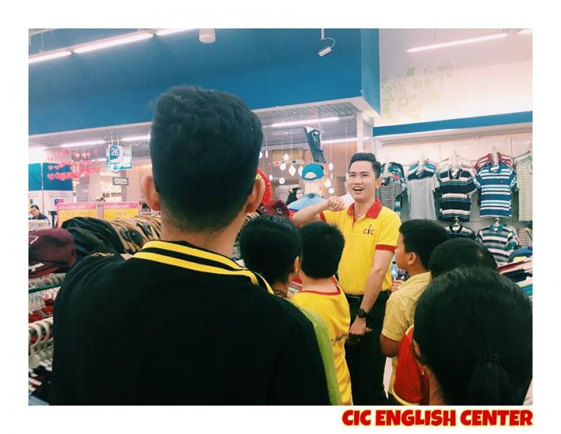 Trung tâm Ngoại ngữ CIC tổ chức các hoạt động ngoại khóa cho học viên