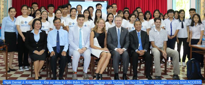 Đại sứ quán Hoa Kỳ đến thăm Trung tâm Ngoại ngữ Trường Đại Học Cần Thơ