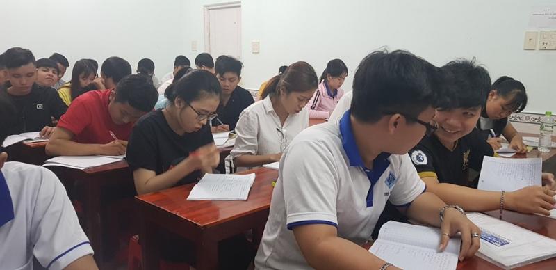 Trung tâm Ngoại ngữ Future thu hút nhiều học viên đến đăng ký tham gia học