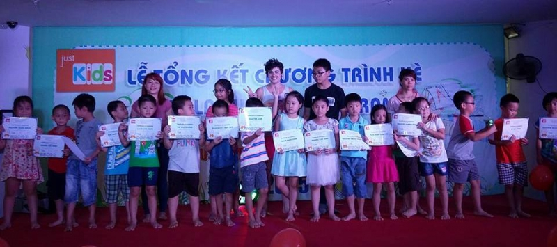Lễ tổng kết của các em học viên