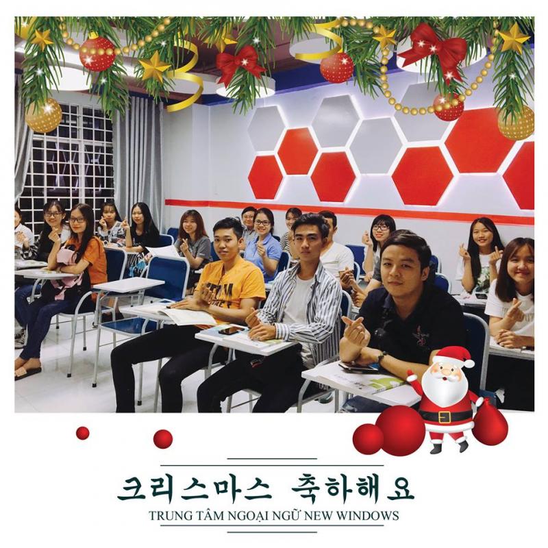 Lớp học tiếng Hàn tại trung tâm