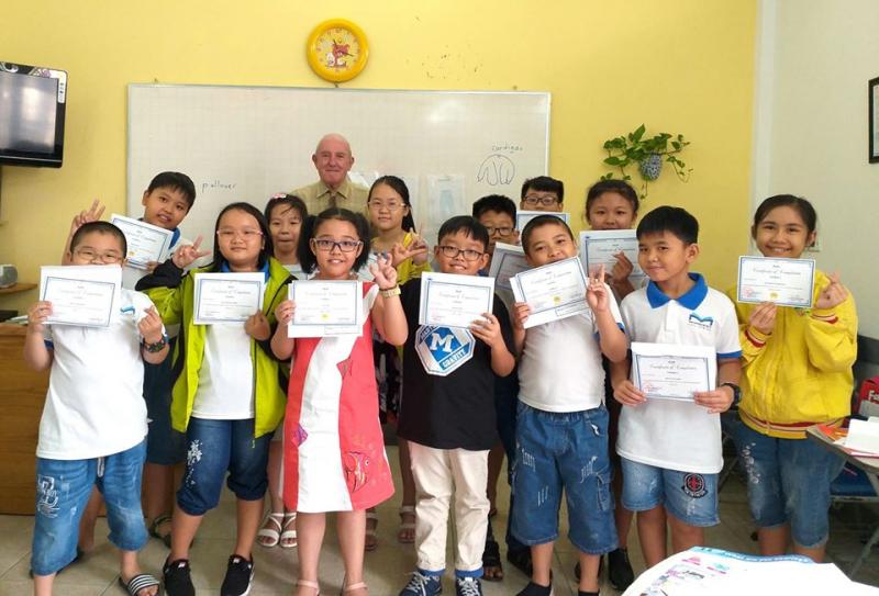 Trung tâm Ngoại ngữ Việt Mỹ Bình Dương