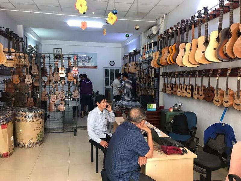 Trung tâm nhạc cụ Tiến Đạt