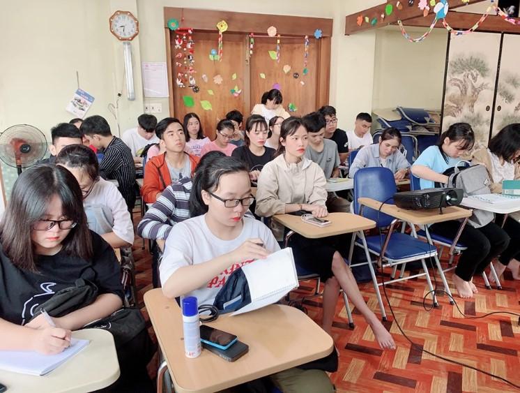 Một buổi học tại trung tâm Nhật ngữ Sakura