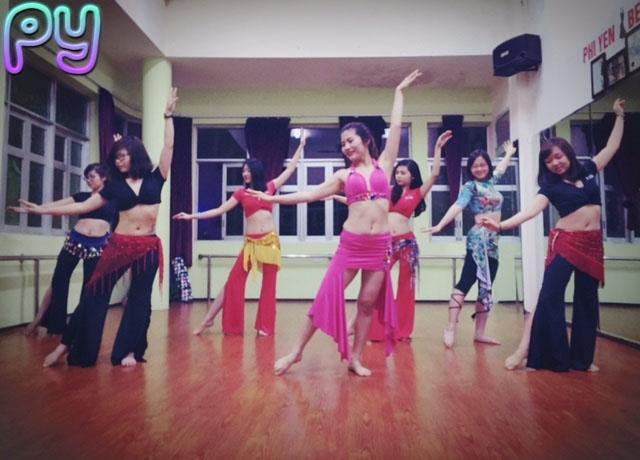 Lớp học Belly dance tại PY Club
