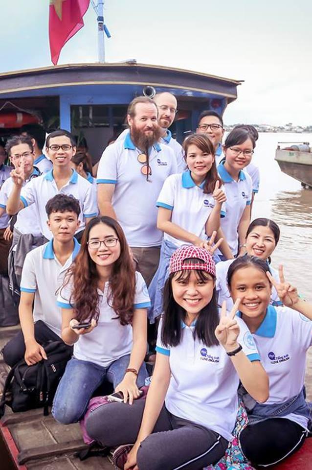 Trung tâm Saigon American English
