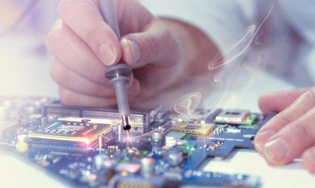 Top 6 trung tâm sửa chữa máy tính/laptop uy tín nhất Cần Thơ