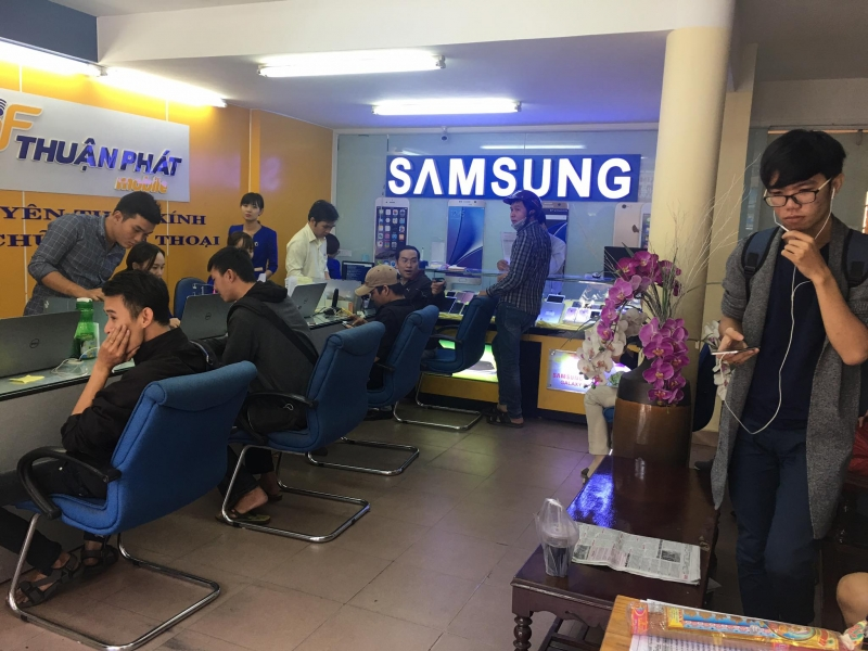 Trung tâm thay màn hình điện thoại Oppo - Thuận Phát Mobile
