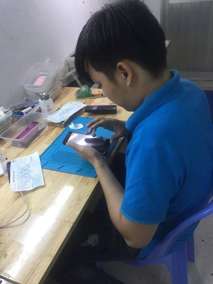 Trung tâm thay màn hình điện thoại Xiaomi - Maxmobile
