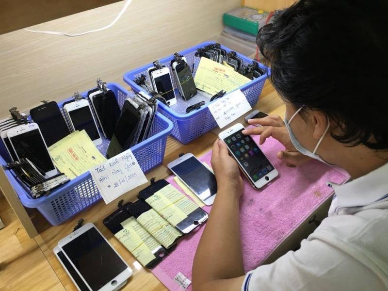 Trung tâm thay màn hình Iphone 6plus, 6s plus - Huy Dũng Mobile
