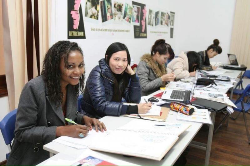 Tham gia khóa học thiết kế thời trang có thể tiếp cận những công nghệ cao của ngành thiết kế thời trang
