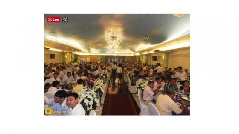 Không gian rộng lớn với sức chứa khổng lồ của trung tâm tiệc cưới Hồng Ân