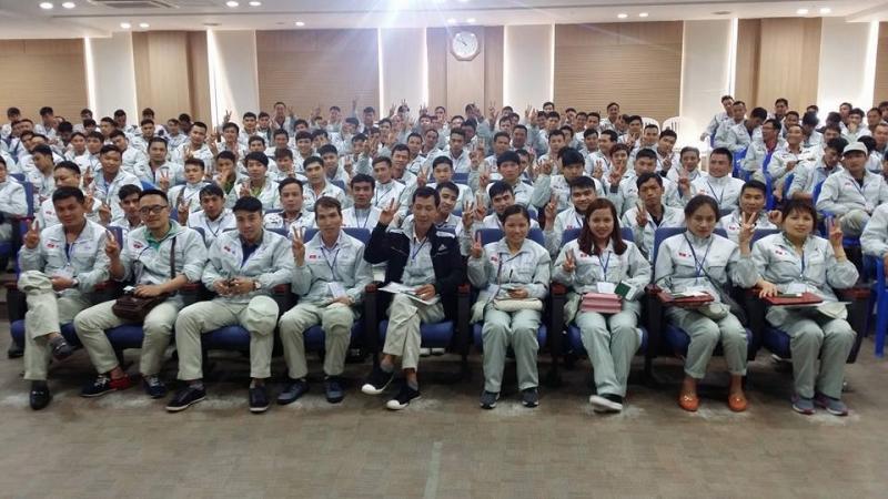 Các học viên của trung tâm trong lớp học đi xuất khẩu lao động