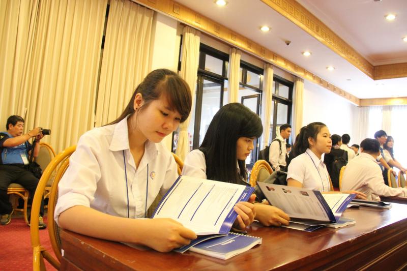 Trung tâm tin học ngoại ngữ trường công nghiệp Huế