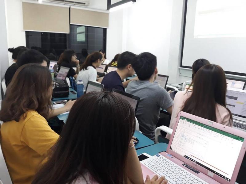 Trung tâm Tin học PST