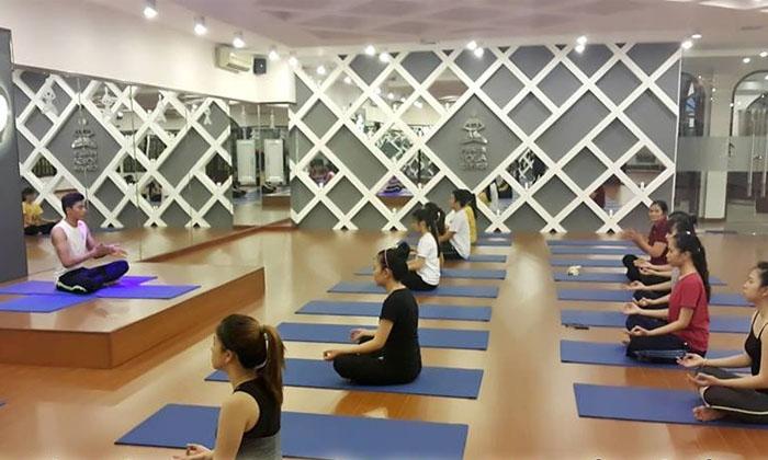 Trung tâm yoga Rạng đông có phòng tập rộng rãi, thoang mát, trang thiết bị đầy đủ và đa dạng