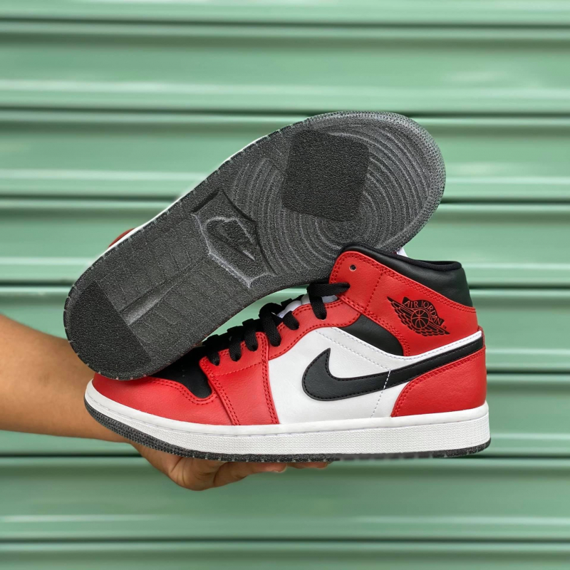 TrungSneaker.com
