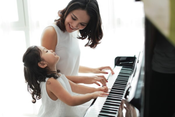 trường âm nhạc Viêt Thanh là nơi cung cấp dịch vụ dạy piano và gia sư dạy kèm piano tại nhà