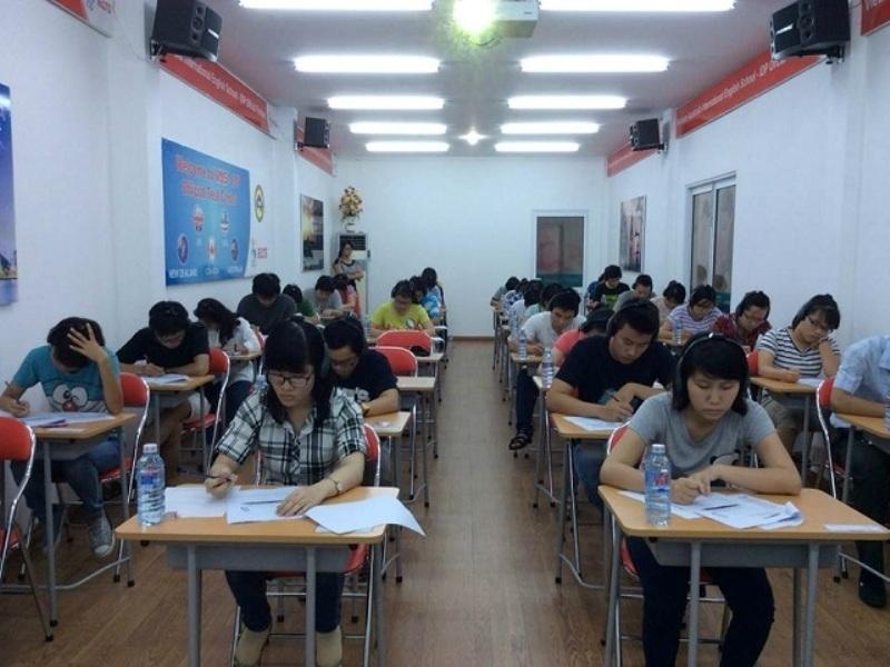 Lớp học tại trung tâm Ngoại ngữ Tri Thức Việt