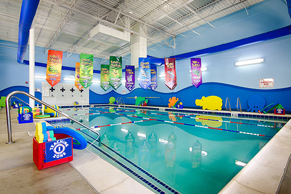 Trường Bơi Aqua-Tots có bể bơi bốn mùa hoạt động quanh năm