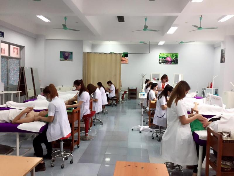 Trường Cao đẳng Nghề Công Nghệ Cao Hà Nội.