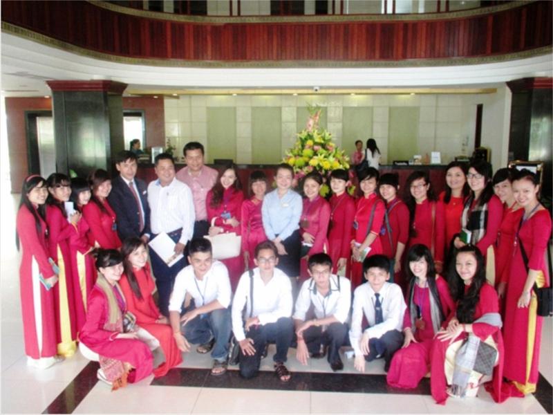Sinh viên của trường tham quan thực tập tại khách sạn 4 sao ANGKOR RIVIERA tại Campuchia