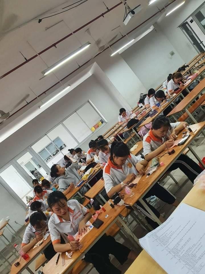 Trường Cao đẳng Viễn Đông