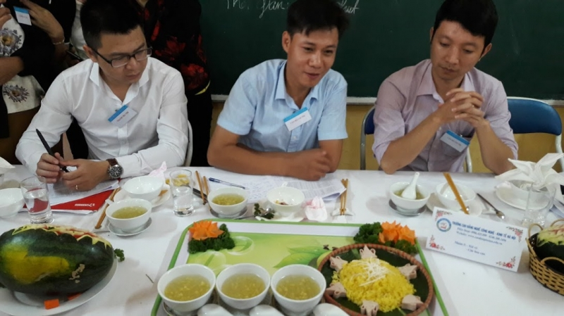 Giảng viên là các Bếp trưởng và doanh nhân thành đạt trong lĩnh vực ẩm thực