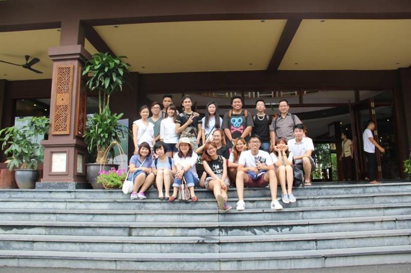 Sinh viên du lịch trường Đại Học Hà Nội.
